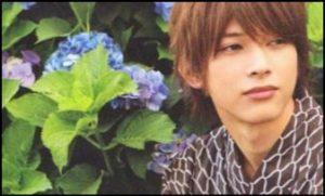 吉沢亮とあじさいの画像